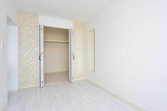 主寝室+クローゼット